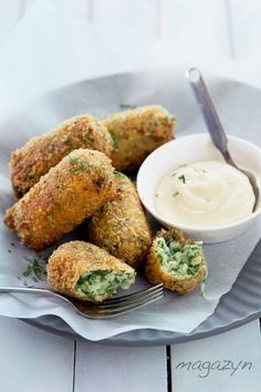 Cauliflower & Parsley Croquettes with Roasted Garlic | http://specialsavoryrecipes.blogspot.com