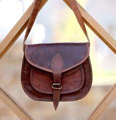 7e2c9fd65485 Women Vintage Looking Brown Leather Messenger Cross Body Bag Handmade Purse   fashion  clothing