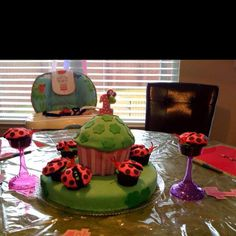 Lady Bug cupcake theme for my baby Ariel's 1st. My FIRST fondant cake made by Me = ) Cake4Tay!