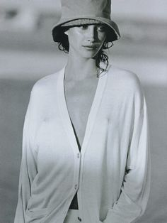 Timeless Fashion Little Me, Christy Turlington by Peter Lindbergh Harper's Bazaar, May 1993 Christy Turlington, Grunge Outfits, 90s Fashion Grunge, Peter Lindbergh, Rachel Green, Winona Ryder, Marie Claire, Maybelline, Fashion Guys