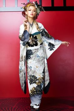 Ozaki Sayoko 尾崎紗代子 (Nuts model) for Princess Furisode : kimono collection catalog - 2014 Source : Takazen