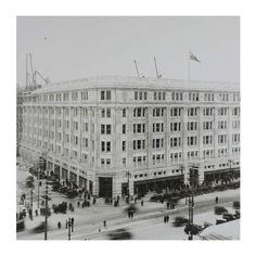 Downtown Hudson's Bay Store on Portage Avenue in Winnipeg. On the day the downtown Bay opened at 9 a. it was the largest reinforced concrete building in Canada. Largest Countries, Countries Of The World, But Is It Art, Vintage Architecture, Canada Eh, Concrete Building, Canadian History, Hudson Bay, Travel Aesthetic