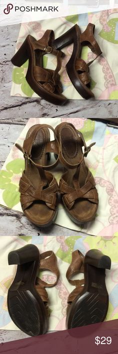 """WHITE MOUNTAIN LEATHER SANDALS/SHOES Nice brown leather sandals with 4"""" heels. They have a leather footbed so you will see footprints since they are used.  Gently used. White Mountain  Shoes Sandals"""