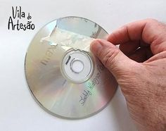 Grude uma fita crepe Old Cd Crafts, Arts And Crafts, Recycled Cds, Cd Diy, Stained Glass Crafts, 7 Chakras, 3 D, Handmade, Spartacus