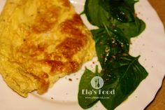 Super tasty cheese omelette recipe! Cheese Omelette, Omelette Recipe, Calzone, Tasty, Chicken, Meat, Recipes, Food, Tortilla Recipe