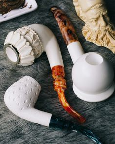 Clay Pipes, Meerschaum Pipe, Pipes And Cigars, Smoking Pipes, Sea Foam, Hand Carved, Tobacco Pipes, Smoke, Man Stuff