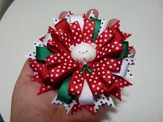 idea de moños navideños con cinta para el cabello. Christmas bows and ha...