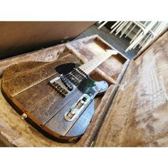 eBid Online Auction and Fixed Price Marketplace - Buy & Sell in our Fee Free Environment for United States Auction Items, Arctic Monkeys, Charity, Guitar, Buy And Sell, Stuff To Buy, Ebay, Guitars