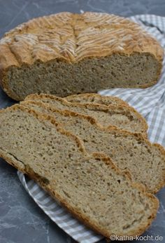 Zucchini Brot mit Leinsamen - Katha-kocht!