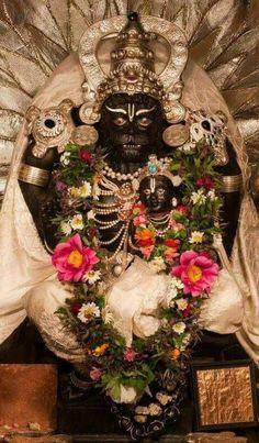 Shri Hanuman, Jai Shree Krishna, Kalash Decoration, Ganapati Decoration, Kali Mata, Hindu Festivals, Lord Vishnu, Hindu Deities, God Pictures