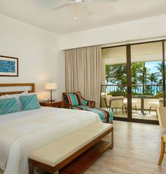 Mauna Kea Beach Hotel is one of the oldest and most well-known Hawaiian hotels and boasts one of the rainbow state's best beaches as well as one of the most famous golf courses in the state | Big Island, Hawaii