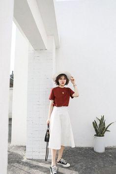 Korean Street Fashion - Life Is Fun Silo Celebrity Fashion Outfits, Korean Fashion Trends, Korean Street Fashion, Korea Fashion, Fashion 2018, Asian Fashion, Look Fashion, Trendy Fashion, Fashion Bloggers