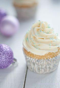 Cupcakes de ponche de huevo / Eggnog Cupcakes