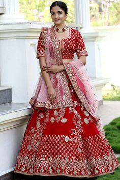 Bridal Lehenga Online, Designer Bridal Lehenga, Indian Bridal Lehenga, Pakistani Bridal Dresses, Latest Bridal Dresses, Indian Bridal Outfits, Bridal Wedding Dresses, Wedding Outfits, Wedding Bride