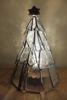 ステンドグラスのクリスマスツリーライト