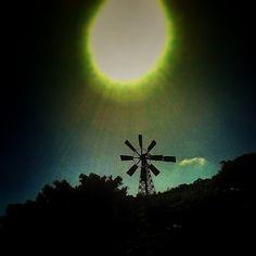 Molino bajo el sol