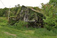 Forgotten and abandoned barn back roads of NY near hwy 14 #adventure #explore | by amabileuno