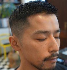 床屋と美容院 仕上がりの違いってあるの?男ならどっちに通うべき?   海外の髪型とファッションに学ぶ Asian Man Haircut, Beard Haircut, Asian Men Hairstyle, Fade Haircut, Asian Short Hair, Short Hair Cuts, Short Hair Styles, Hear Style, Asian Male Model