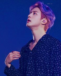 BTS's Worldwide Handsome Jin got distracted by his own dashing good looks during BTS's Muster fan event in Seoul, and it's totally understandable. Seokjin, Hoseok, Namjoon, Taehyung, Jhope, Bts Jin, Jin Kim, Bts Bangtan Boy, Foto Bts
