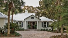 Brian Patrick Flynn, designer of this year's HGTV® Dream Home 2017, shares tips on how to boost your home's curb appeal with landscaping, a welcoming entry and more.