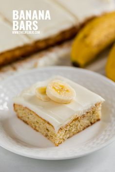 Banana Bars are a simple and delicious dessert the whole family will love! These have a light and moist crumb with cream cheese frosting in a pan, you'll want to make this easy recipe again and again. Banana Bars, Banana Chocolate Chip Muffins, Great Desserts, Delicious Desserts, Oatmeal Bars, Baking Flour, Banana Recipes, Chocolate Cherry, Cream Cheese Frosting
