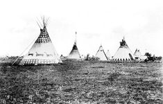 Many Blackfoot tipis were painted with special designs that came to people in dreams. These designs helped the family have a good life. Glenbow Archives NA-919-37.