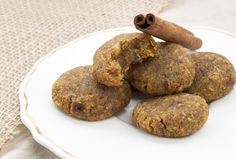 Pumpkin Spice Macaroons! {Paleo, AIP & Top-8 Allergen free} from He won't know it's paleo.