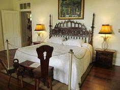 ernest-hemingway-bedroom