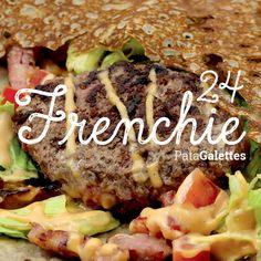 24 - Frenchie Steak haché frais - raclette - sauce cocktail - lardons - tomate - salade