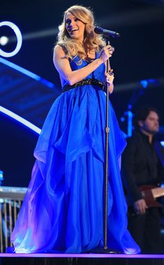 Baby Blues from Carrie Underwood's Pregnancy Style | E! Online