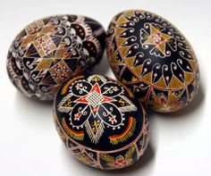 Traditional hand painted Easter Eggs (set of 3). €26,00, via Etsy.