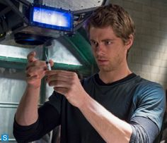 Luke Mitchell in The Tomorrow People Luke Mitchell, Lincoln Agents Of Shield, Lincoln Campbell, John Luke, Secret Warriors, Big Government, Peyton List, Dead To Me, Story Inspiration