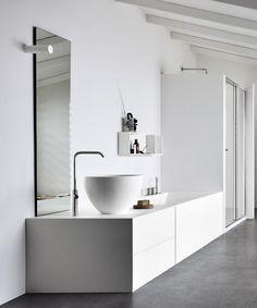 UNICO   Baignoire encastrable By Rexa Design design Imago Design Douche Design, Concrete Floors, Bathroom Furniture, Double Vanity, Bathtub, Flooring, Design Design, Modern, Website