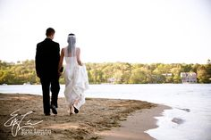 Bournedale Function Facility offers a beautiful waterfront spot for a wedding. #CapeWedding