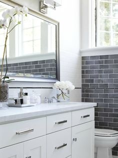 Transitional Bathroom Design many of today's most exciting bathroom are expressions. Check these amazing 25 Transitional Bathroom Design Ideas. Grey Subway Tiles, Subway Tile Kitchen, Grey Tiles, White Tiles, Kitchen Backsplash, Grey Backsplash, White Marble, Bad Inspiration, Bathroom Inspiration