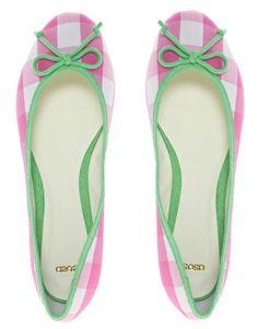 Pink + green = preppy love!