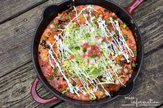 This Skillet Enchilada Casserole is an easy weeknight meal for busy nights. Iron Skillet Recipes, Cast Iron Recipes, Skillet Meals, Skillet Pan, Skillet Cooking, Skillet Chicken, Oven Cooking, Skillet Enchiladas, Chicken Enchilada Casserole