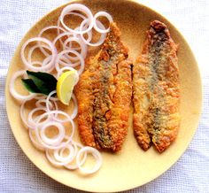 Bombil/Bombay Duck Fry Bombil is a seafood I got introduced to when I came to Mumbai.  Its a super soft fish and the best place to have it in Mumbai is Gajalee. This is the traditi...
