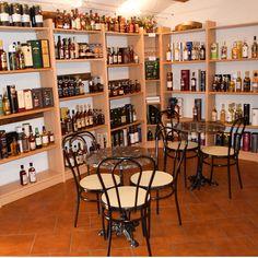 Einladung zum 1. Whisky-Höck am 28. Oktober 2016  Wir haben viele Rückmeldungen auf den Fragebogen erhalten, danke. Deshalb findet der 1. Whisky-Höck mit freier Auswahl am Freitag, 28. Oktober 2016 statt!  Ort: Getränke-Markt, Büetigenstrasse 30, 2557 Studen Zeit: Ab 19.00h  Am Ende des Abends wird individuell abgerechnet.  Damit wir genügend Häppchen vorbereiten können, bitten wir Sie sich hier anzumelden: http://whiskytime.ch/index.php/1-whisky-hoeck-28-oktober-2016