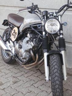 Vendo Yamaha XJ 600 S Diversion - usata a Somma Lombardo (codice - Moto. Bar Lighting, Scrambler, Yamaha, Motorcycle, Vehicles, Ideas, Motorbikes, Kitchens, Projects