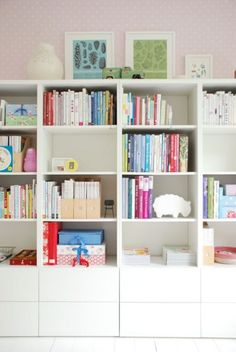 The Remarkable Ikea Besta Bookcase 76 In Home Decoration Ideas With Ikea Besta Bookcase diy design decorating and interior simple minimalist for house studion apartment ideas best online inspiration Cube Ikea, Ikea Workspace, Ikea Cubbies, Ikea Shelves, Bookshelves, Bookcase, Regal Design, Bedroom Storage, Storage Closets