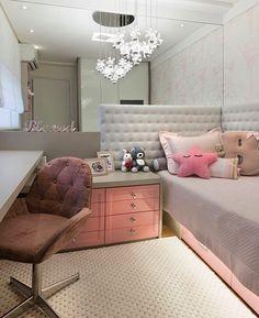 27 Small Bedroom Ideas Design Minimalist and Simple - Pandriva Cute Bedroom Ideas, Girl Bedroom Designs, Narrow Bedroom Ideas, Trendy Bedroom, Dream Rooms, Dream Bedroom, New Room, Interior Design Living Room, Room Inspiration