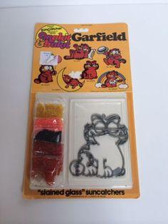 Stocking stuffer! Garfield-sun-catcher-kit-makit-bakit-stained-glass-53508-Vintage-Craft-1984