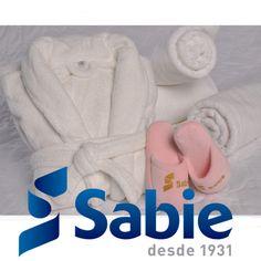 Muito gostoso sair do banho e se aquecer com um dos roupões atoalhados da Sabie! Entre em contato com um de nossos executivos de vendas para verificar a disponibilidade dos produtos 11 2069-3500 sac@sabie.com.br www.sabie.com.br