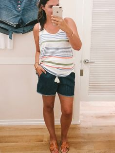 The best denim shorts for all bodies. Older Women Fashion, Fashion For Women Over 40, Womens Fashion, Fashion Trends, Mom Fashion, Fashion Edgy, Fashion Spring, Fashion Bloggers, Short Outfits