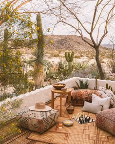 Sara and Rich Combs, owners of The Joshua Tree House and authors of a new guide to desert living, share their design philosophies—and how to incorporate them in your home, room by room. San Giorgio Mykonos, Tree House Interior, Desert Aesthetic, Earthy Home Decor, Desert Dream, Desert Life, Concrete Fence, Desert Homes, Bouldering