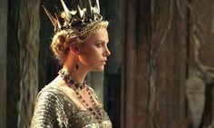 Balnca Nieves y el Cazador: Clarlize Theron Divina