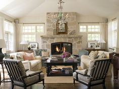 Traditional Living Room   Caroline Edwards   Dering Hall Design Connect In partnership with Elle Decor, House Beautiful and Veranda.