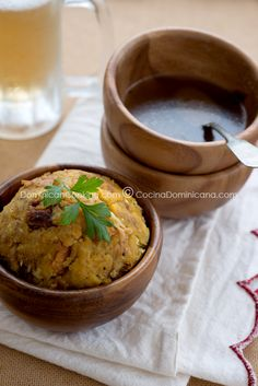 Mofongo (Garlic-flavored mashed plantains) This is delicious! I prefer my monfongo with shrimp, but any mofongo will do!
