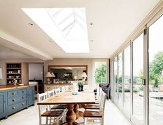 Incorporating a roof lantern into the design of your property extension is a really great idea. A roof lantern isn't just a quirky design feature. Kitchen Diner Extension, Open Plan Kitchen, Kitchen Extension Lantern, Orangery Extension Kitchen, Orangerie Extension, Roof Extension, Extension Google, Extension Ideas, Roof Lantern